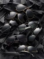 aviator sunglasses on a bed of airplanes 20055016649  写真素材・ストックフォト・画像・イラスト素材 アマナイメージズ