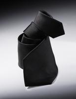 twisted black tie 20055017142  写真素材・ストックフォト・画像・イラスト素材 アマナイメージズ