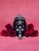 skull with jewelry