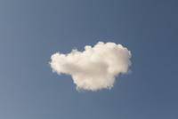 Cloud In The Blue Sky. 20055018997| 写真素材・ストックフォト・画像・イラスト素材|アマナイメージズ