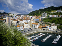 Camino de Santiago, North route. Panoramic view of Mutriku coast village in Guipuzcoa 20055020425| 写真素材・ストックフォト・画像・イラスト素材|アマナイメージズ