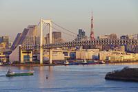 City skyline including the Rainbow Bridge and Tokyo Tower, Odaiba, Tokyo Bay, Tokyo, Honshu, Japan, Asia