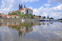 Cruise ship on the Elbe before the Albrechtsburg in Meissen, Saxony