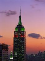 The Empire State Building illuminated at dusk, Manhattan, New York City, United States of America, North America 20062003686| 写真素材・ストックフォト・画像・イラスト素材|アマナイメージズ