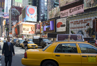 Yellow taxis and billboards in Times Square, New York City, New York, United States of America, North America 20062004383| 写真素材・ストックフォト・画像・イラスト素材|アマナイメージズ