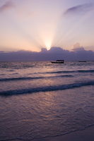An old wooden boat in the sea at sunrise, Paje, Zanzibar, Tanzania, East Africa, Africa 20062004518| 写真素材・ストックフォト・画像・イラスト素材|アマナイメージズ