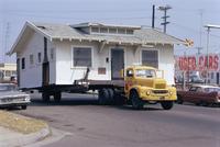 Pick-up truck moving house, California, USA 20062009161| 写真素材・ストックフォト・画像・イラスト素材|アマナイメージズ