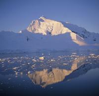 West coast, Antarctic Peninsula, Antarctica, Polar Regions 20062009501| 写真素材・ストックフォト・画像・イラスト素材|アマナイメージズ