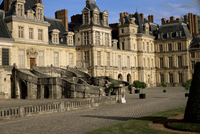 Horseshoe staircase dating from 1632-1634, White Horse courtyard (courtyard of Farewells), Chateau of Fontainebleau, UNESCO Worl