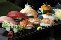 Close-up of sushi, Japan, Asia 20062010699| 写真素材・ストックフォト・画像・イラスト素材|アマナイメージズ