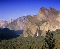 Bridalveil Falls and Yosemite Valley, Yosemite National Park, UNESCO World Heritage Site, California, USA, North America 20062011637| 写真素材・ストックフォト・画像・イラスト素材|アマナイメージズ
