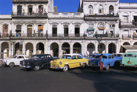 American 1950s cars used as taxis, Havana, Cuba, West Indies, Central America 20062011677| 写真素材・ストックフォト・画像・イラスト素材|アマナイメージズ