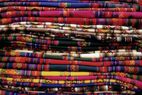 Detail of a pile of colourful ponchos, Cuzco (Cusco), Peru, South America 20062011763| 写真素材・ストックフォト・画像・イラスト素材|アマナイメージズ