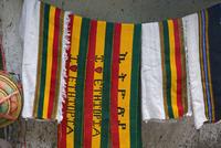 Colourful Ethiopian souvenirs for sales in Lalibela, Lalibela, Ethiopia, Africa 20062011979| 写真素材・ストックフォト・画像・イラスト素材|アマナイメージズ