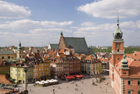Elevated view over the Royal Castle and Castle Square (Plac Zamkowy), Old Town (Stare Miasto), UNESCO World Heritage Site, Warsa 20062012059| 写真素材・ストックフォト・画像・イラスト素材|アマナイメージズ