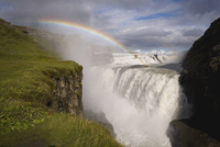 Iceland's most famous waterfall tumbles 32m into a steep sided canyon, Gullfoss, the Golden Circle, Iceland, Polar Regions 20062012162| 写真素材・ストックフォト・画像・イラスト素材|アマナイメージズ