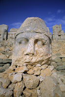 Ancient carved heads of gods on summit of Mount Nemrut, Nemrut Dagi (Nemrut Dag), UNESCO World Heritage Site, Anatolia, Turkey, 20062015625| 写真素材・ストックフォト・画像・イラスト素材|アマナイメージズ