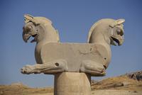Double-headed eagle, Persepolis, UNESCO World Heritage Site, Iran, Middle East 20062016832| 写真素材・ストックフォト・画像・イラスト素材|アマナイメージズ