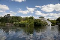 Ducks by fountain and Conservatory on River Thames, Royal Botanic Gardens, UNESCO World Heritage Site, Kew, near Richmond, Surre 20062018310| 写真素材・ストックフォト・画像・イラスト素材|アマナイメージズ