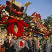 Men in festival robes, Karatsu Okunchi Festival, Karatsu, Kyushu, Japan 20062019570| 写真素材・ストックフォト・画像・イラスト素材|アマナイメージズ