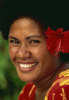 Portrait of a Melanesian girl with a red hibiscus flower in her hair on Qamea Island, Fiji, Pacific Islands, Pacific 20062020831| 写真素材・ストックフォト・画像・イラスト素材|アマナイメージズ