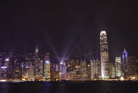 Nightly sound and light show over Hong Kong Island skyline, Hong Kong, China, Asia 20062021715| 写真素材・ストックフォト・画像・イラスト素材|アマナイメージズ