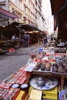 Street stalls, Upper Lascar Row, Hong Kong Island, Hong Kong, China, Asia 20062022053| 写真素材・ストックフォト・画像・イラスト素材|アマナイメージズ