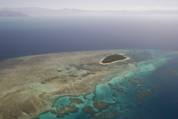 Aerial photography of coral reef formations of the Great Barrier Reef, UNESCO World Heritage Site, near Cairns, North Queensland 20062022360| 写真素材・ストックフォト・画像・イラスト素材|アマナイメージズ