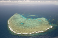 Aerial photography of coral reef formations of the Great Barrier Reef, UNESCO World Heritage Site, near Cairns, North Queensland 20062022361| 写真素材・ストックフォト・画像・イラスト素材|アマナイメージズ