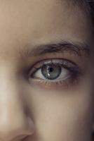 Sad little girl 20071004440  写真素材・ストックフォト・画像・イラスト素材 アマナイメージズ