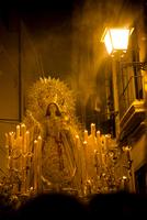 Catholic religious evening procession in the street. Seville, Spain 20071008737| 写真素材・ストックフォト・画像・イラスト素材|アマナイメージズ