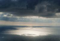 Seascape with storm clouds above 20071010650| 写真素材・ストックフォト・画像・イラスト素材|アマナイメージズ