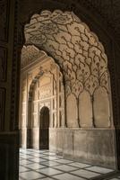 Entrance into Badshahi Mosque. Lahore, Pakistan 20071011400| 写真素材・ストックフォト・画像・イラスト素材|アマナイメージズ