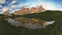 mountain mirroring