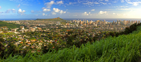 Honolulu with the extinct crater of Diamond Head