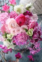 ピンクのブーケ 21002003535| 写真素材・ストックフォト・画像・イラスト素材|アマナイメージズ