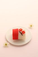 梅の和菓子 21002003717| 写真素材・ストックフォト・画像・イラスト素材|アマナイメージズ