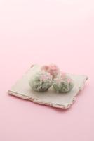 桜の和菓子 21002003759| 写真素材・ストックフォト・画像・イラスト素材|アマナイメージズ