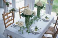 テーブルを飾る実や花 21006000146| 写真素材・ストックフォト・画像・イラスト素材|アマナイメージズ