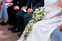 ブーケを持った花嫁の足元