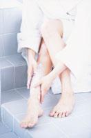 女性 足 21007000114| 写真素材・ストックフォト・画像・イラスト素材|アマナイメージズ