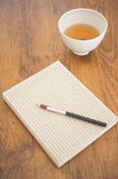 番茶と本とペン