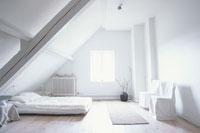 白いベットルーム