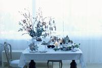 クリスマスのテーブルセッティング 21008000222| 写真素材・ストックフォト・画像・イラスト素材|アマナイメージズ