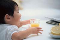 オレンジジュースと男の子
