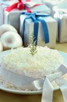 ケーキとプレゼントイメージ