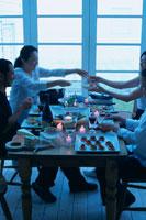 キャンドルの灯りとホームパーティー