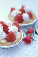苺と生クリームカップケーキ2個