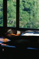 窓辺の新聞