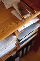 棚の中の書類